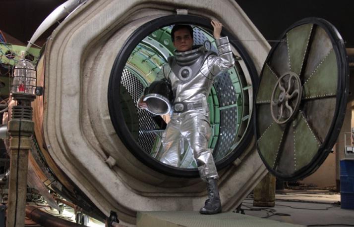 """Kadras iš filmo """"Žmogus iš ateities"""" (2011)"""