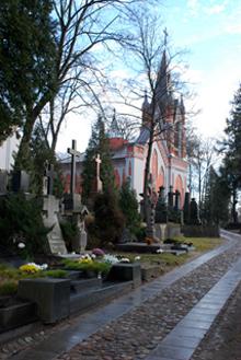 Kapinių koplyčia. 1850 m. Archit. Tomas Tišeckis. Varpinė pastatyta 1888 m., archit. J. Januševskis. Antano Grinčelaičio nuotrauka