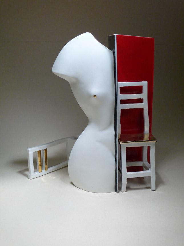 """Živilė Bardzilauskaitė-Bergins. """"Ilgesys"""". 2010. Kaulo porcelianas, poglazūriniai dažai, auksas, degimas 1100° C"""