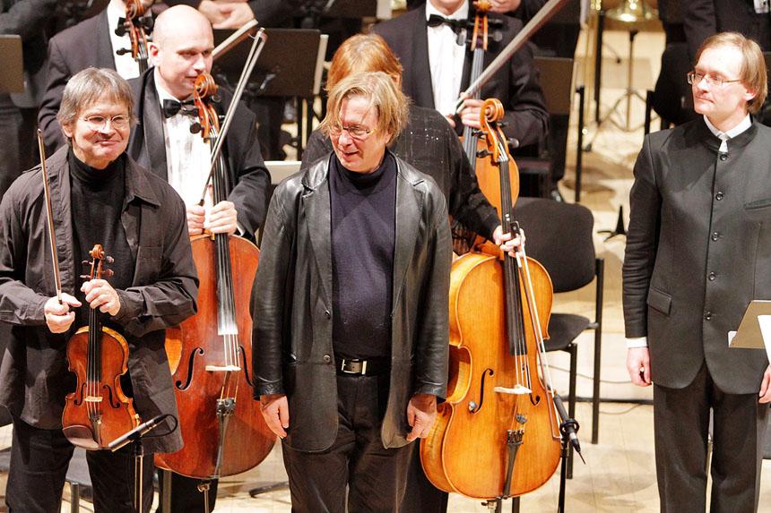 Baigiamojo koncerto akimirka: Ernstas Kovacicius, Georgas Friedrichas Haasas, Robertas Šervenikas. Augusto Didžgalvio nuotrauka iš festivalio archyvo
