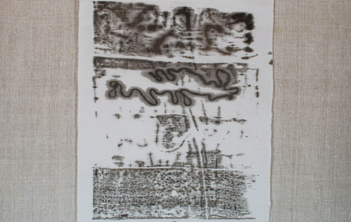 """Jūratė Teresė Urbienė. """"Lino daina"""" iš ciklo """"3 tekst..."""" Lino drobė, šilkas, natūralūs dažai, autorinė """"gelažuniai"""" technika, 510x69. 2011. Apdovanota """"Auksine šaudykle"""""""