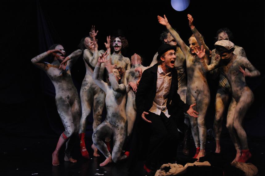 """""""Pupa"""" (Dimitri teatro mokykla, Šveicarija)"""