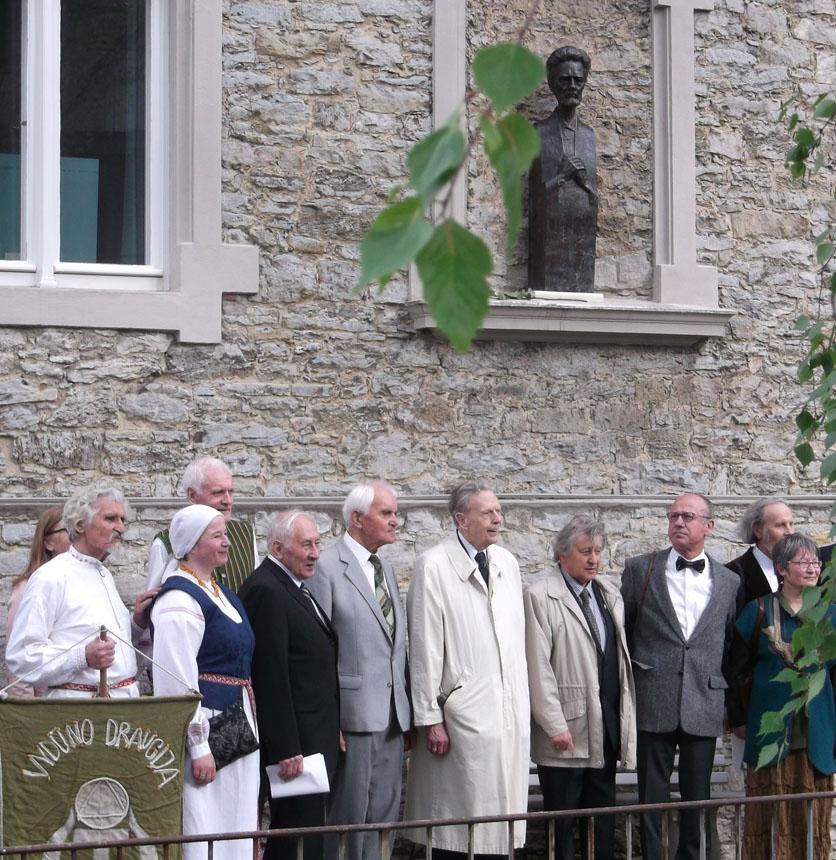 Ceremonijos dalyviai (iš dešinės): Rima Palijanskaitė, Friedrichas-Wilhelmas Nehlis, Vacys Bagdonavičius, princas zur Lippe ir kt. Astridos Petraitytės nuotraukos