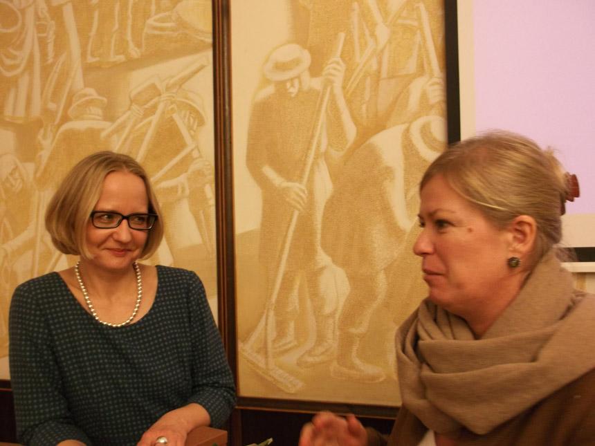 Jolanta Gelumbeckaitė ir Dainora Pociūtė Vilniaus universiteto Donelaičio auditorijoje. Astridos Petraitytės nuotrauka