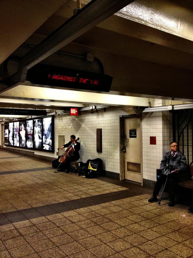 """Žibuoklė Martinaitytė. """"Niujorko metro muzikantai"""""""
