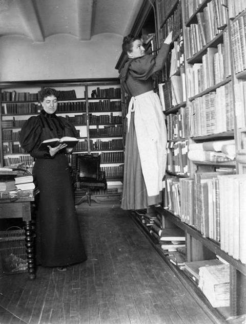 Viskonsino istorijos draugijos bibliotekininkės, 1896 m.