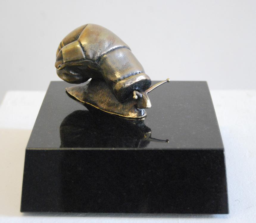"""Gediminas Pašvenskas. """"Karo žirgas"""", bronza, granitas, 2014"""