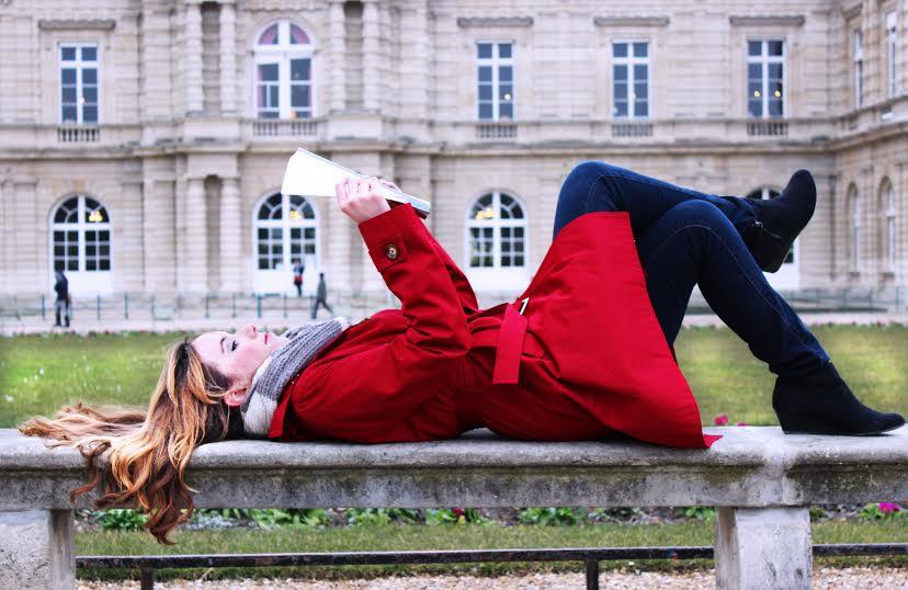 Skaitytoja iš Liuksemburgo sodų. Nuotrauka iš autorės archyvo