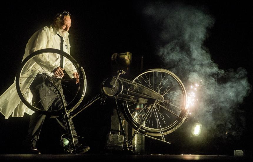 "Heinerio Goebbelso spektaklis ""Max Black"". Dmitrijaus Matvejevo nuotrauka"