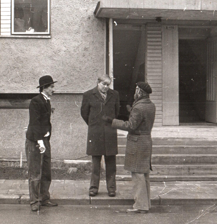 Ruošiantis kino šventei Panevėžyje. A. Šiuša, D. Banionis ir H. Šablevičius. Nuotraukos iš autoriaus archyvo