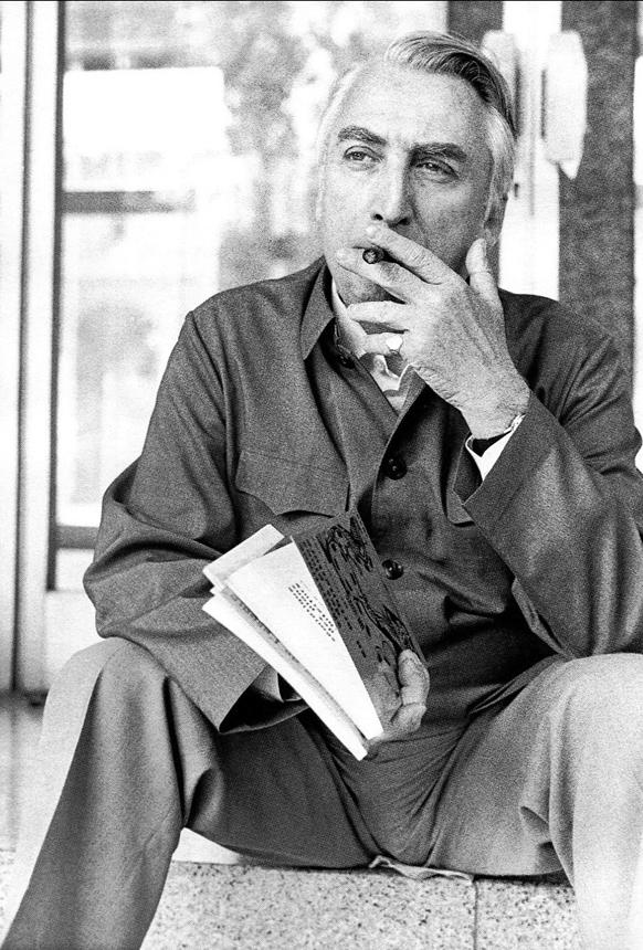 R. Barthes'as Milane 1974 m. Carlos Cerati nuotrauka