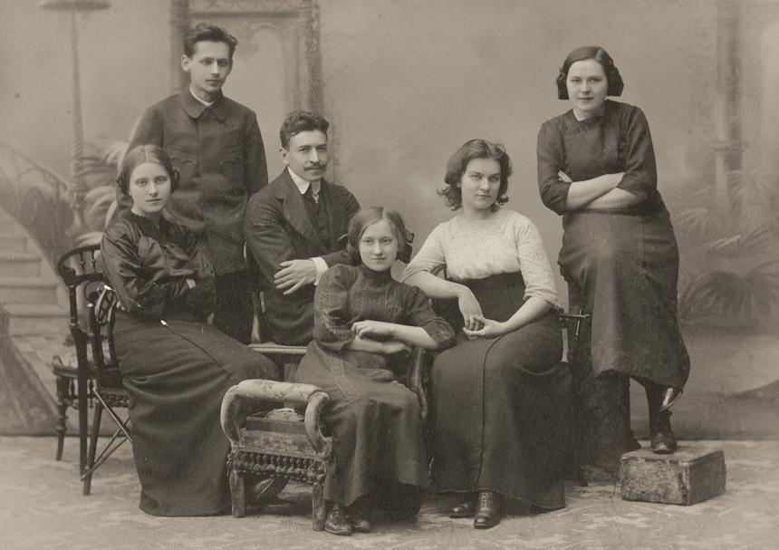 Sofija, Jonas, Stasys ir Jadvyga Čiurlioniai, Marija Nemeikšaitė ir Valerija Čiurlionytė