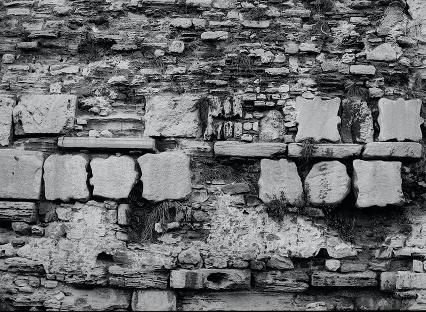 Kolonos. Konstantinopolio gynybinės sienos (IV–V a.) fragmentas, 2015