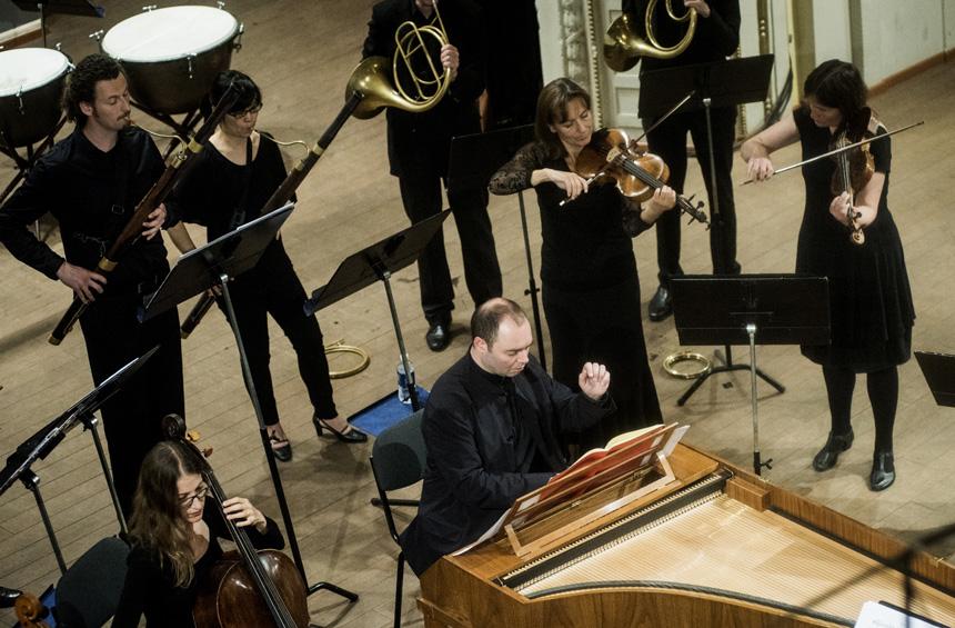 Pianistas A. Melnikovas. Dmitrijaus Matvejevo nuotraukos