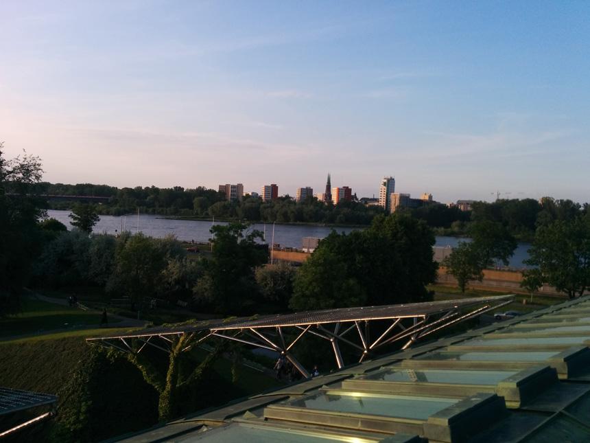 Vaizdas Pragos link nuo Varšuvos universiteto bibliotekos stogo
