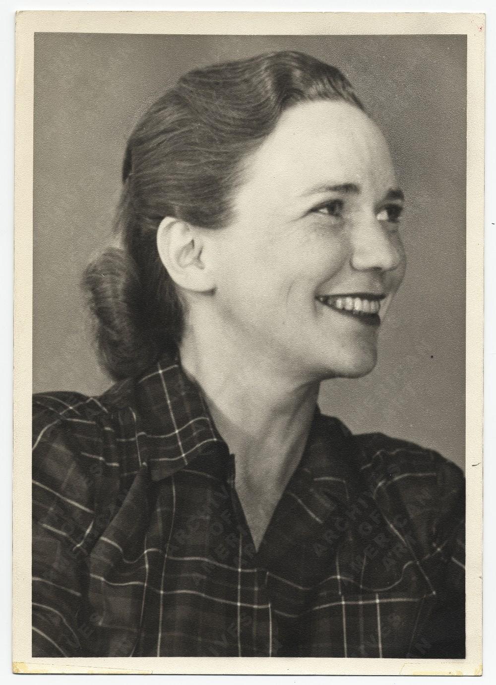 Aline Bernstein