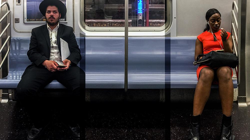 """Vytenis Jankūnas. """"J 2 Manhattan & Back 24-7-365 in HD Vol.1 #078"""" , kadras iš skaidrių video, 2016"""