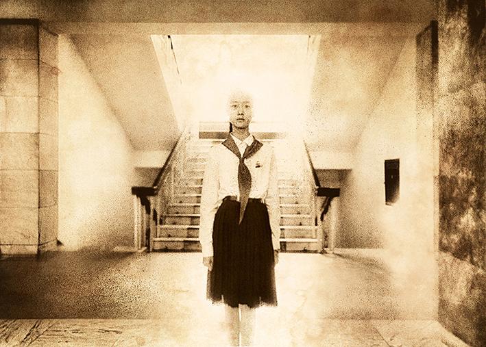 """Natalie Daoust. Iš ciklo """"Korėjietiški sapnai"""". Kauno fotografijos galerijoje N. Daoust paroda veiks iki birželio 18 d."""