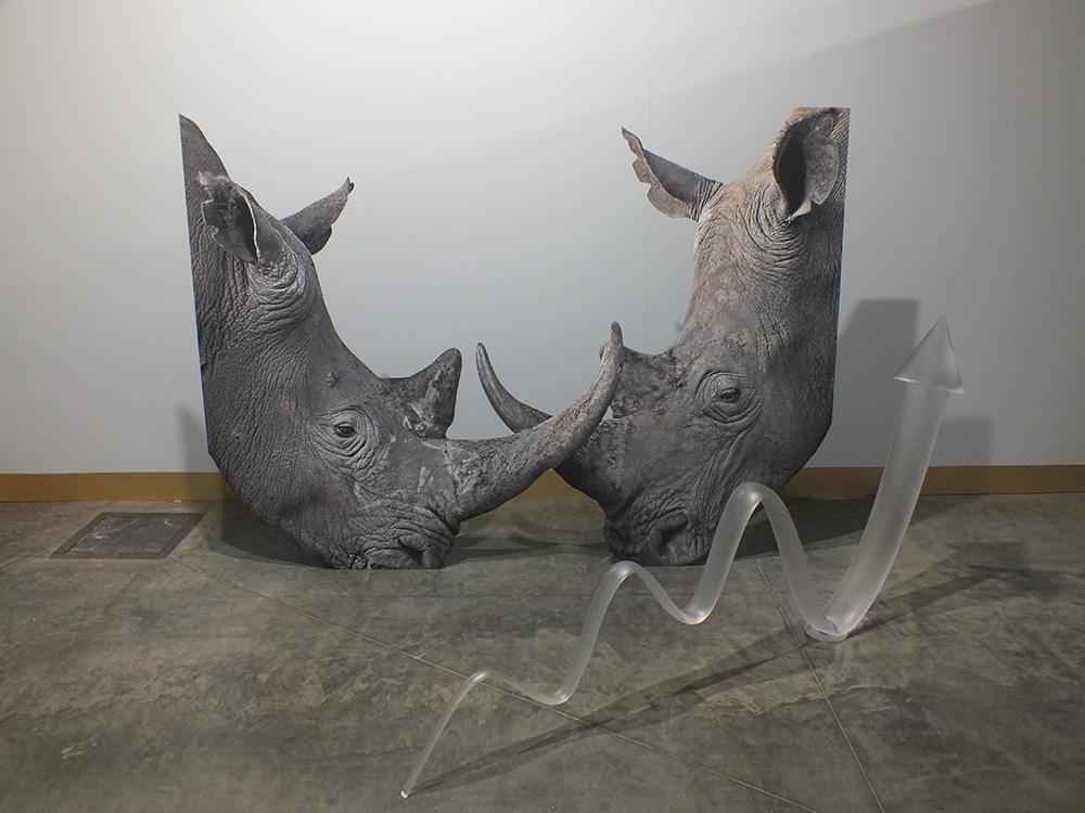 """Katja Novitskova (Estija). """"Aktyvavimo modelis (Raganosiai)"""", 2014. """"Lewben Art Foundation"""" nuosavybė. gyčio norvilo nuotrauka"""