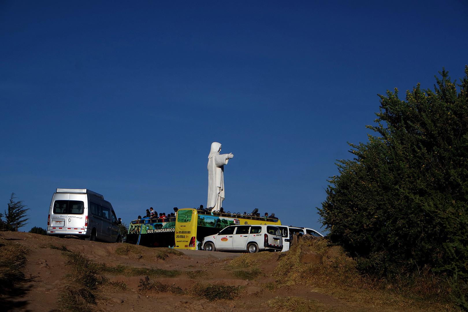 Prie Cristo Blanco (Peru)