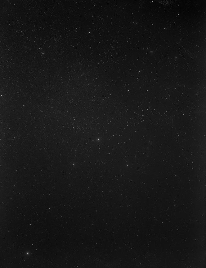 Laputės žvaigždynas. Dovilės Dagienės sidabro bromidinis atspaudas iš nežinomo autoriaus negatyvo (1959)