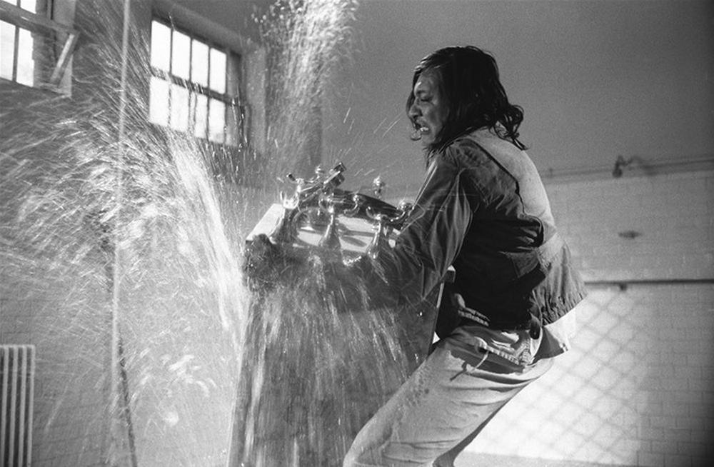 """Filmo """"Skrydis virš gegutės lizdo"""" (rež. Milošas Formanas, 1975; pagal to paties pavadinimo Keno Kesey'o romaną, 1962) kadras"""